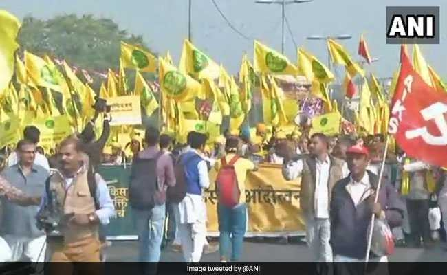 Farmers' March To Parliament Affects Traffic In Central Delhi
