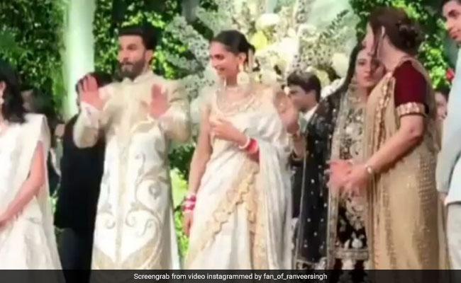 Video: दीपिका पादुकोण कर रही गेस्ट का वेलकम, स्टेज पर ही 'सिंबा' को प्रमोट करने लगे रणवीर सिंह