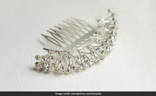 3 Hair Accessories To Wear With Your Indian Outfits
