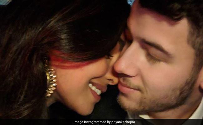 प्रियंका चोपड़ा ने रोमांटिक अंदाज में निक जोनस का भारत में किया स्वागत, बोलीं- वेलकम होम बेबी...Photo हुई वायरल