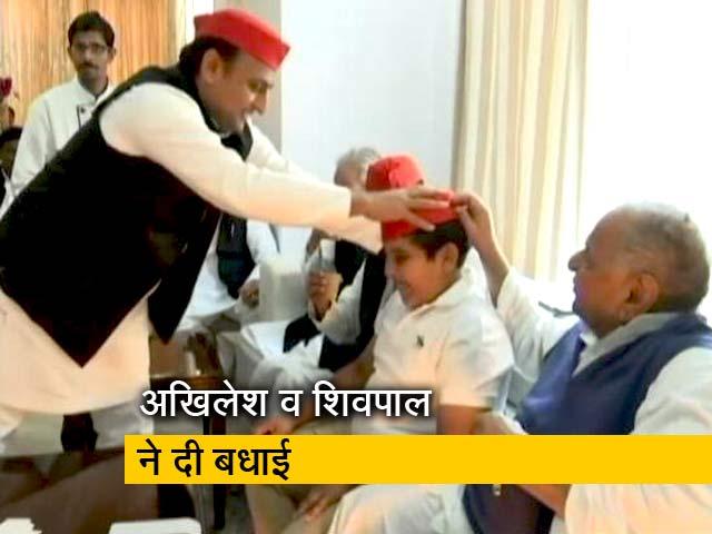 Videos : मुलायम सिंह यादव के जन्मदिन पर जश्न