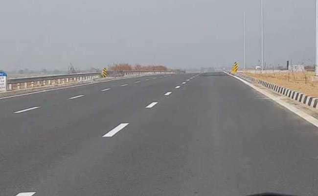 Delhi-Mumbai Expressway Construction Set To Begin In March 2019