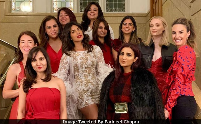 Priyanka Chopra Throws A Pyjama Bachelorette Party! View Pictures