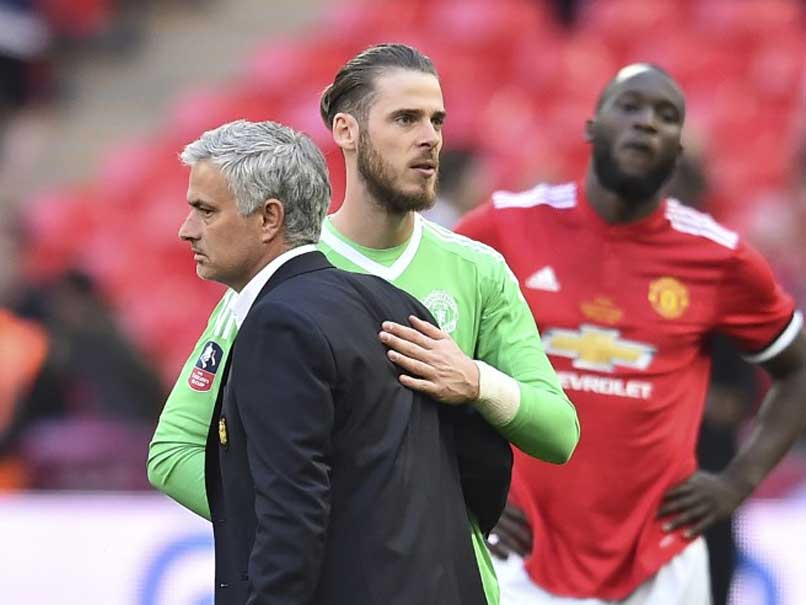 Jose Mourinho Confident David de Gea Will Sign New Contract