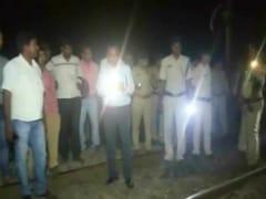 उत्तर प्रदेश: हरदोई जिले में पटरी पर काम कर रहे चार गैंगमैन की ट्रेन की चपेट में आने से मौत