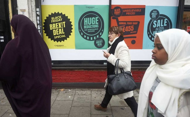 Anti-Brexit Black Friday Pop-Up Shops Offer Londoners 'Worst Deal Ever'