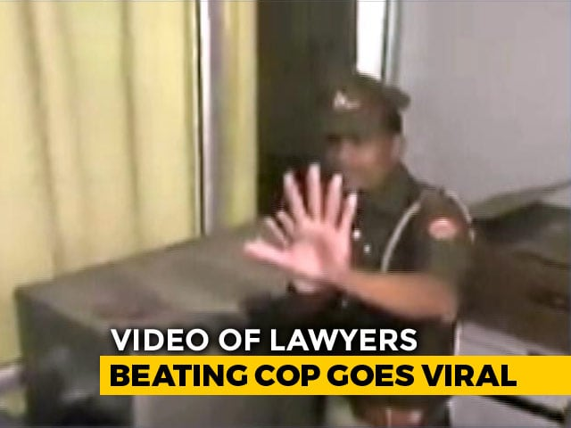 Video : On Camera, UP Lawyers Assault Policeman In Front Of Top Cop