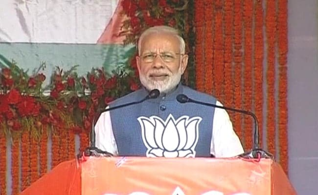 Hold Contest To Assess Performance Of 'Family' And 'Chaiwala': PM