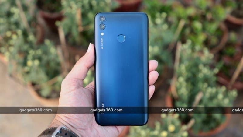 Honor 8C लॉन्च हुआ भारत में, नए स्नैपड्रैगन 632 प्रोसेसर से है लैस