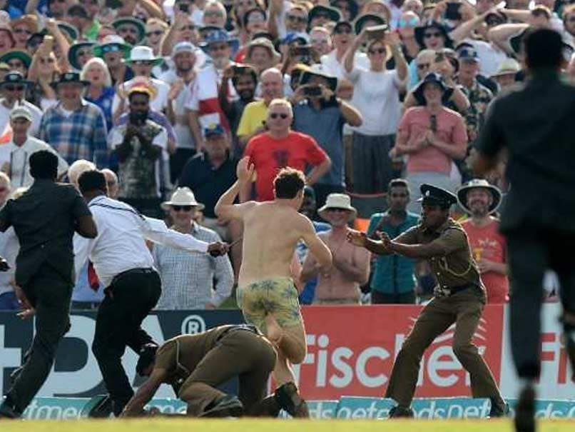 Sri Lanka vs England: Ground Security Hunts Down Streaker In A Funny Chase At Galle - Watch