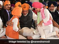 PM Modi Attends Gurpurab Celebrations At Harsimrat Kaur Badal's House