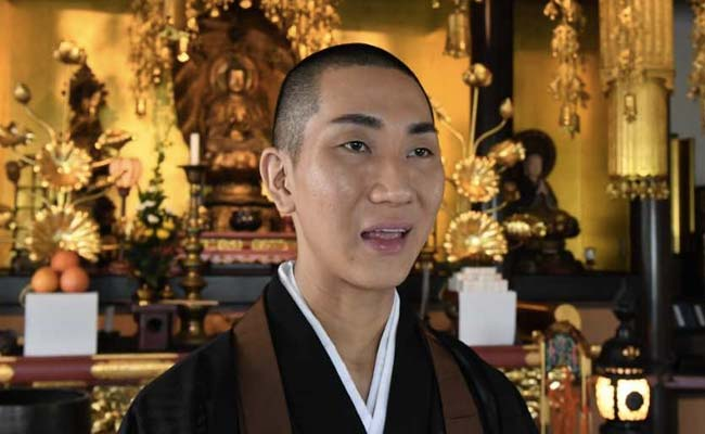 Buddha And Bronzer: The Japanese Monk Who Loves Make-Up