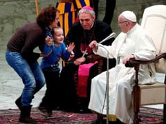 6-Year-Old Interrupts Vatican Ceremony - And Pope Francis Doesn't Mind
