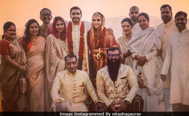 New Pics From Deepika Padukone And Ranveer Singh's Wedding, Featuring Ladkiwale And Ladkewale