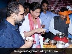 Video: At Zero Trailer Launch, Shah Rukh Khan Enjoys Yummy Street Foods!