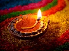 छोटी दीपावली 2018: आज की रात क्यों सबसे छुपकर घर से दूर दीपक जलाया जाता है?