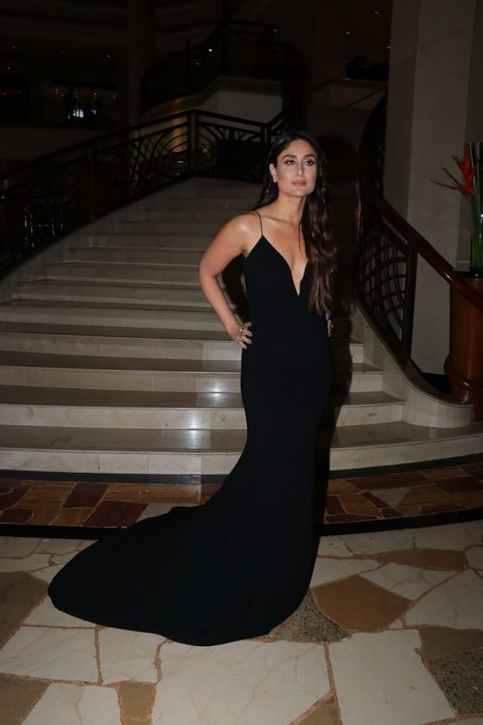 5ab97d10e95 Kareena Kapoor Reminds Us That A Simple Black Dress Can Go A Long Way