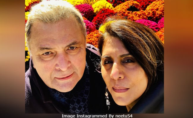 Rishi Kapoor And Wife Neetu Light Up Instagram With A New Pic From USA