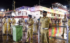 Late Night Protest By BJP In Kerala Over Detention Of Sabarimala Devotees