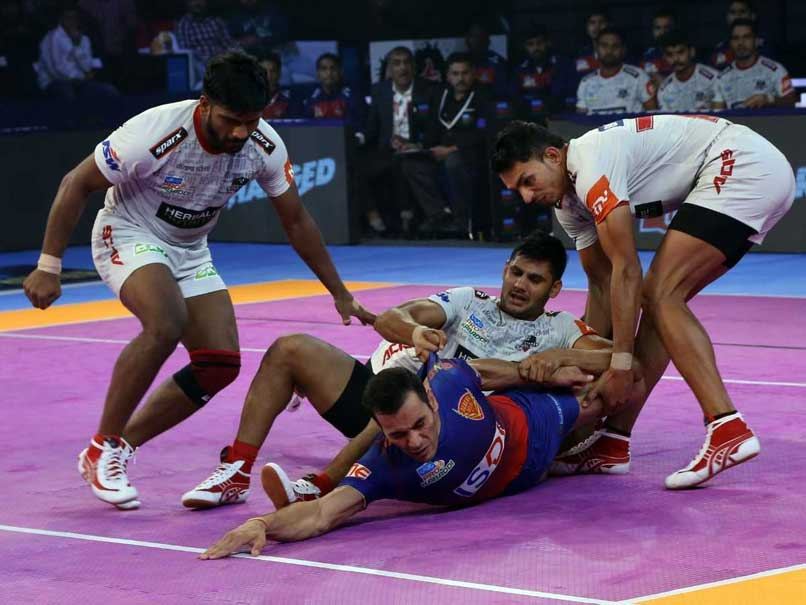 Pro Kabaddi League: Dabang Delhi Edge Past Haryana Steelers, Bengaluru Bulls Beat UP Yoddha
