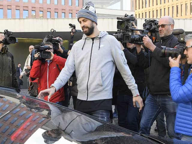Barcelona Defender Gerard Pique Caught Driving With Invalid Licence, Fined 48,000 Euros