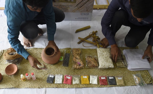 From Cow Urine To Booking Hindu Priest, The 38-Item Online 'Funeral Kit'