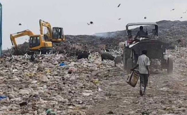 Toxic Fumes From Kolkata Garbage Dump Gives Delhi A Run For Its Money