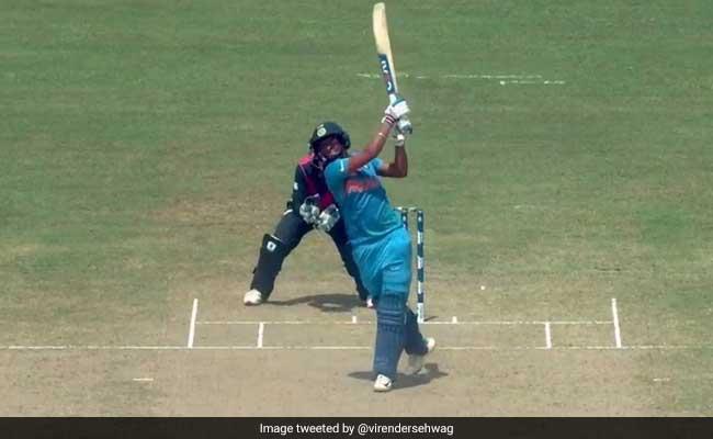 Women T20 World Cup: एक मिनट में देखें कैसे हरमनप्रीत कौर ने जड़ा शतक, बना डाला ये अनोखा रिकॉर्ड