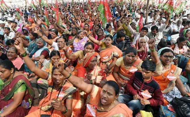 प्राइम टाइम : किसानों की दुर्दशा के लिए कौन है ज़िम्मेदार?