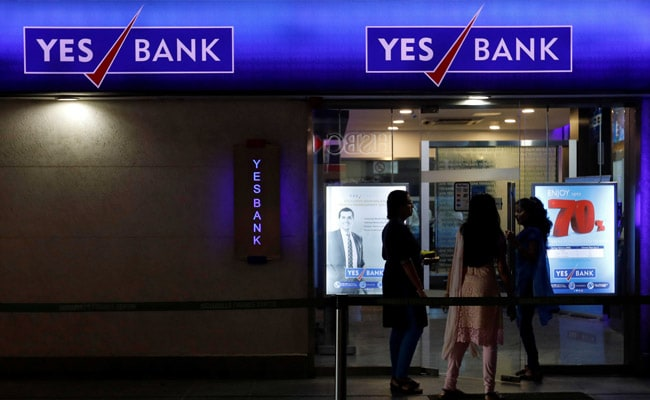 """Moody's Cuts Yes Bank Ratings With """"Negative"""" Outlook"""