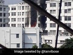 कोलकाता के पार्क स्ट्रीट इलाके में 8 मंजिला इमारत में लगी आग, 10 दमकल की गाड़ियां मौके पर मौजूद