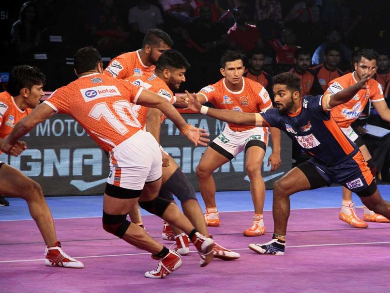Pro Kabaddi League: Bengal Warriors Edge Past Puneri Paltan, Bengaluru Bulls Play Draw Against Gujarat Fortunegiant