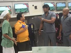 Taarak Mehta Ka Ooltah Chashmah: जेठालाल की दुकान खाली कराने आए गुंडे, जीना किया हराम- देखें Video