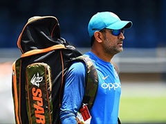 MS Dhoni's Adorable Gesture Shows Why He Is Still A Crowd Favourite - Watch