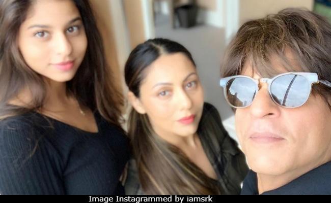 Shah Rukh Khan Will Miss The 'Two Many Beautiful Women' Suhana And Gauri