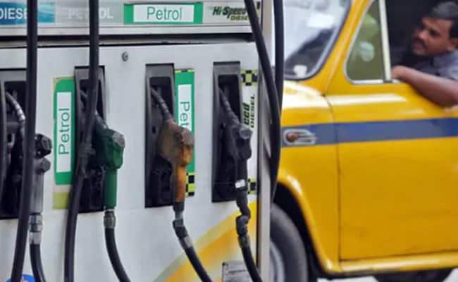 Fuel Prices Drop Further By 22-24 Paise Ahead Of New Year's Eve