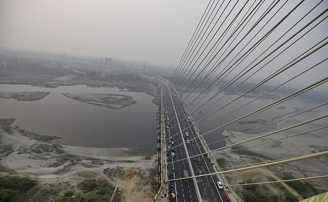 Student Killed As Speeding Car Loses Control On Delhi's Signature Bridge: Cops