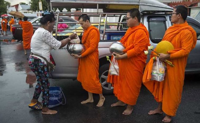 Eat, Pray, Exercise: Thailand's Buddhist Monks Battle Weight Problems