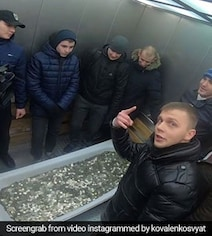 They Went To Buy An iPhone With Bathtub Full Of Coins. Watch...