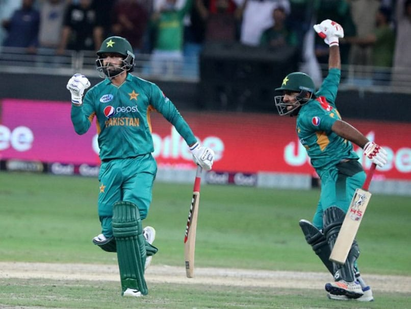 Record-setting Babar Azam leads Pakistan to another T20 series whitewash
