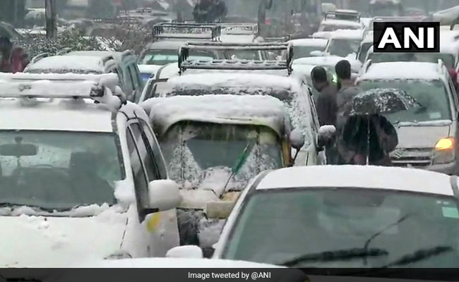 Jammu And Kashmir: National Highway 44 Opens For Both Way Traffic After Snowfall