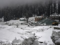 J&K Classifies Untimely Snowfall In Valley, Jammu As Natural Disaster