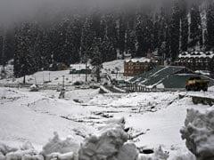 जम्मू कश्मीर में भारी बर्फबारी के कारण मुगल रोड बंद, 120 लोग सुरक्षित निकाले गए