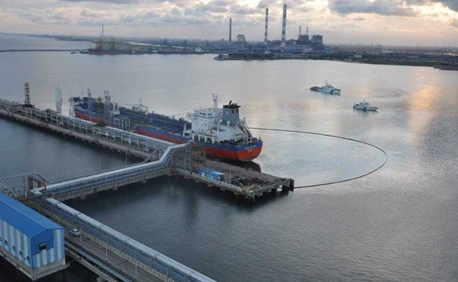 Ship Master Asked To Clean Up After Oil Spill Near Chennai