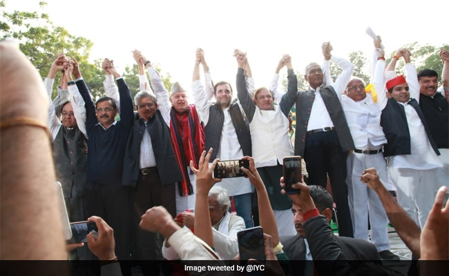Farmers' Protest Brings Rahul Gandhi, Arvind Kejriwal On Same Stage