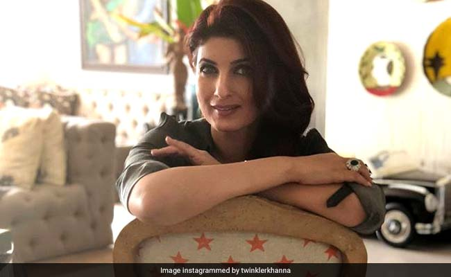 Twinkle Khanna's Post Sums Up Why Her Mom Dimple Kapadia 'Knows Best'