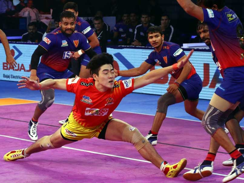 Pro Kabaddi League: Gujarat Fortunegiants Beat Dabang Delhi, UP Yoddha Hold Bengal Warriors To A Draw