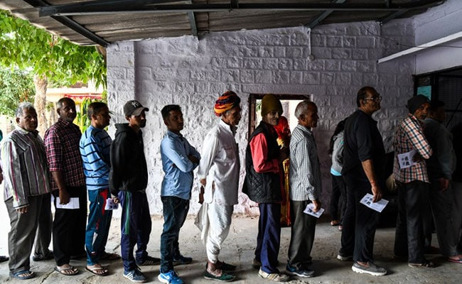 42% Turnout In Rajasthan Till 1 PM; BJP, Congress Leaders Cast Votes