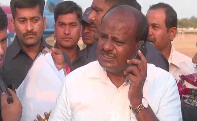 कर्नाटक में तख्तापलट की तैयारी? कांग्रेस के पांच MLA लापता और शाही स्नान के साथ कुंभ मेले की शुरुआत, 5 बड़ी खबरें
