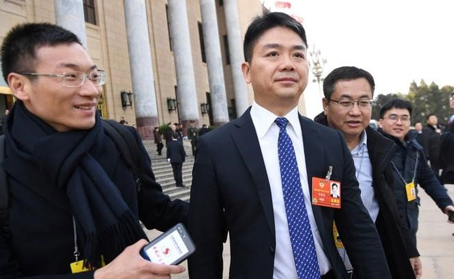 Woman who accused Chinese billionaire Liu of rape sues